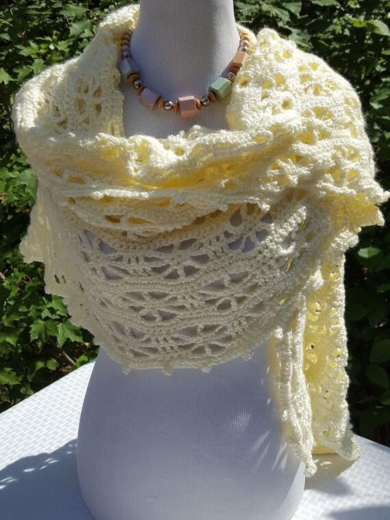 Openwork summer shawl wrap, crochet lace shawl, pinwheel ivory shawl, summer wedding shawl, bridesmaids wrap