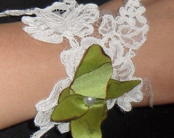 Orchid and ivory lace wedding bracelet