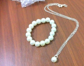Flower girl pearl necklace and bracelet gift set -  weddings, flowergirl jewelry, Bridesmaid Gift