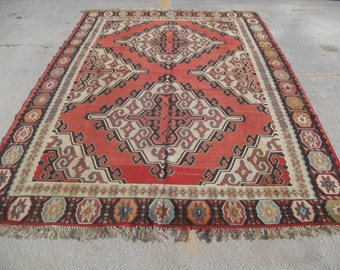"Turkish Kilim rug, vintage rug, 82"" x 128"", red and cream rug, area rug, Kilim rug, Vintage rug, kelim rug, vintage bohemian rug, eccentric"
