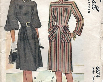 """Reserved for IIona Vintage 1946 McCall 6674 Junior Dress Sewing Pattern Size 15 Bust 33"""""""