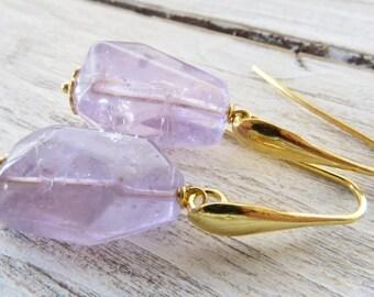 Purple amethyst earrings, raw amethyst earrings, dangle earrings, golden sterling silver 925 earrings, gemstone jewelry, chunky jewelry