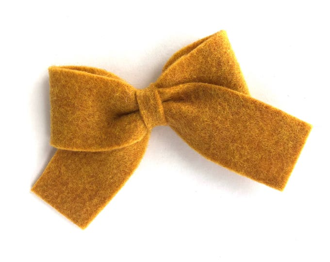 Gold hair bow - felt bow, hair bows, bows, hair bow, hair clips, felt hair clip, hair clip, hair clips for girls, baby bows, felt hair bow