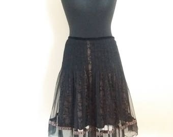 Vintage Black/Gold Midi Skirt Small to Medium Size