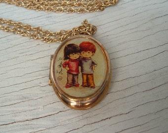Vintage Fran Mar Locket, Love locket Pendant Necklace,Vintage Photo locket ,love locket jewelry,Kids hugging,Young Love, vintage locket