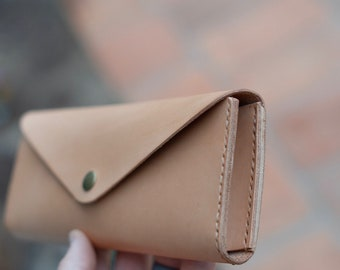 Simple Gusset Clutch