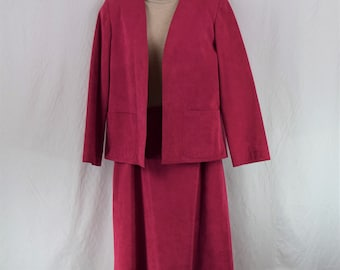 Vintage Ultra Suede Women's Size 10 Machine Washable Blazer and Skirt Suit Set