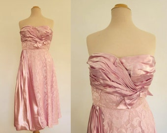 Vintage Dress - Pink Strapless Satin and Lace Dress - 1950s - Bust 91 cm