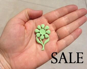 Vintage Light Green Enamel Flower Brooch (4X) (E600) SALE - 90% off