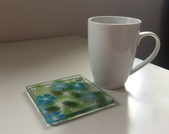 REDUCED PRICE! Glass drinks coaster 'Blue Blooms'