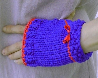 Blue mitts quite in femininity