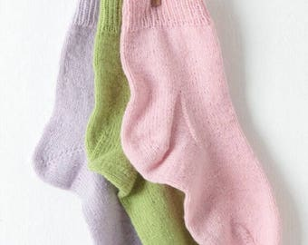 Sirdar Knitting Pattern 7993 , Socks in Country Style  4 ply, sock pattern