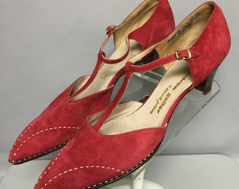 Vintage 50s/60's ROCKABILLY Heels, T-STRAP High Heel Shoes, in Red SUEDE, size 8 aaaa/aaaaaa