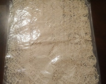 """Beautiful Hand Made Clunied Butterfly Lace Table Runner 18"""" x 36"""""""