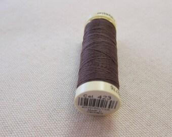 Sewing thread Brown n 423 Gütermann 100% polyester