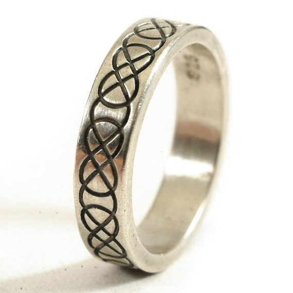 Personalized Ring Size in Celtic Wedding Ring with Raised Relief Infinity Knotwork Design in Sterling Silver, Handmade Wedding Ring CR-753