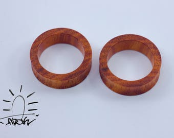 Casual  ear gauges, wood plugs, wooden tunnels, organic ear tunnels, wood gauges, wood tunnels, wooden plugs, carved gauges 10mm 00g 22mm