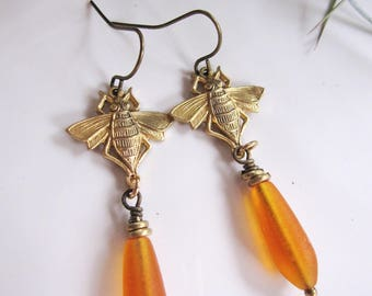 Honey Bee Earrings, Orange Sea Glass, Botanical, Bee jewelry, Sea Glass Earrings, Woodland, Gardendiva