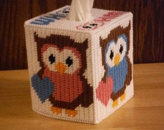 Tissue Box Cover Whoo Loves You, Valentine's day gift, plastic canvas owl, handmade owl, gift for her, kids gift, room decor, tissue holder