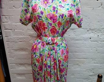 1980s floral wiggle dress. UK size 10