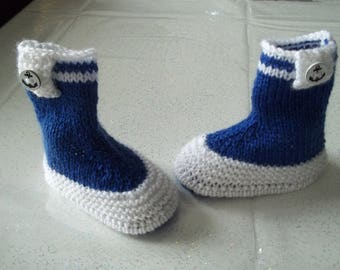 rain boots kind baby booties 0-3 months.