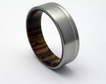 Wood wedding ring  Titanium with Bocote wood wedding band