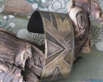Original Art Deco Pattern Modern Bracelet in Nugold - Artisan Handmade Jewelry - One of a Kind