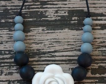 Flower Silicone Teething Necklace, White, Gray and Black Flower Necklace, Toddler Sensory Necklace, BPA Free, Baby Shower Gift, Chewelry