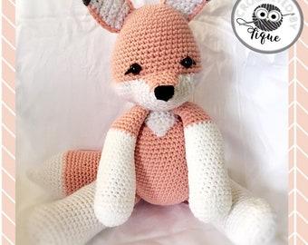 Rosé the Crochet Fox by Hiboutique #pinkfox #crochetfox #foxamigurumi #pinkfoxstuffie