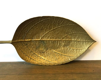 Mid Century Brass Leaf Dish Ashtray ~ Jewelry ring dish - Hollywood Regency era~ Forest Woodland decor