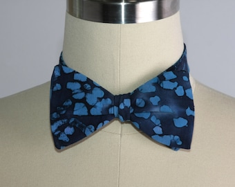 Free Style Bow Tie, Men's Accessories, Blue Batik Self Tie Bow Tie, Men's Bow Tie, Adjustable Bow Tie, Hipster, Men's Formal Wear, Neck Tie