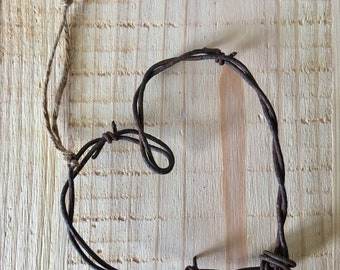 Rusty Barbed Wire Heart// Rustic Home Decor// Wedding Candy Buffet Decor// Barbed Wire Art