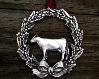 Cow Christmas Ornament | Wreath with Cow | Dairy Christmas | Farm Christmas | Farm Animal Ornament | Dairy Ornament Decoration in Pewter