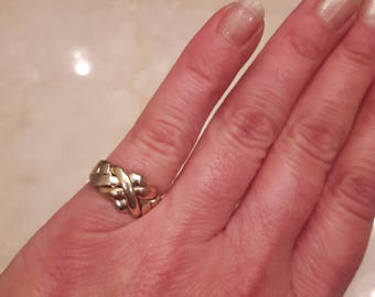 Tri gold puzzle ring