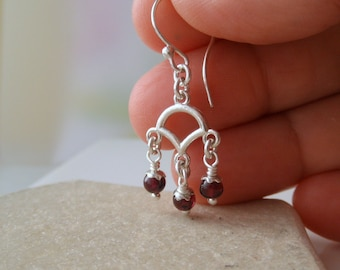 Garnet Sterling Silver Earrings. Dark Red Stone -Alas