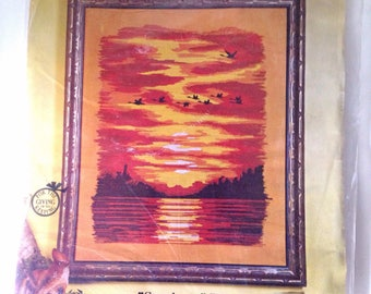 "Paragon Needlecraft Creative Crewel Stitchery #0215 ""Sundown "" Picture Sunset Embroidery Complete Kit"