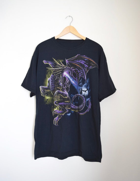 Vintage 90s Fire Breathing Dragon T Shirt (size large, xl)