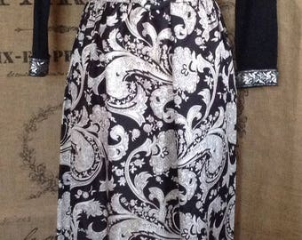 1970's maxi, paisley, black and white maxi dress