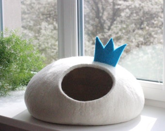 Cat bed PRINCESS felt cat cave white cat bed with crown unique gift for pets stylish home decor cat cocoon wool cat bed small dog bed house