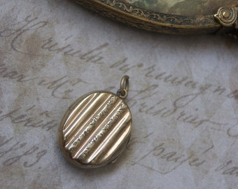 Antique Gold Plated Hair Mourning Locket Pendant