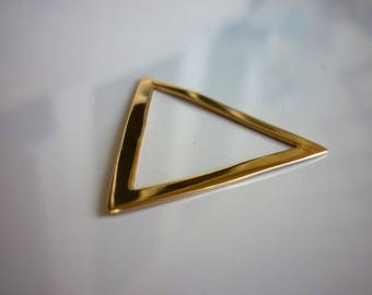 Infill shaped triangle plated gold 18K, 30mm