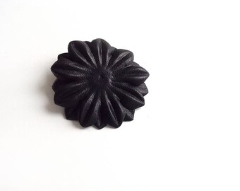 Soft Black Leather Daisy Lapel Pin