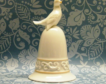 Porcelain Dove Bell (Avon Tapestry Collection 1981)