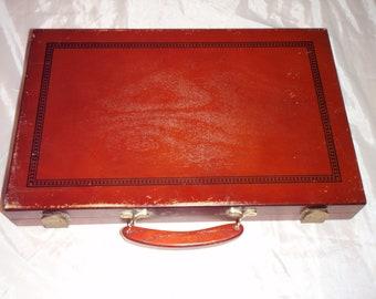 Vintage BACKGAMMON Game Set Wood Box & Handle Brown color 19.25 x 15 COMPLETE