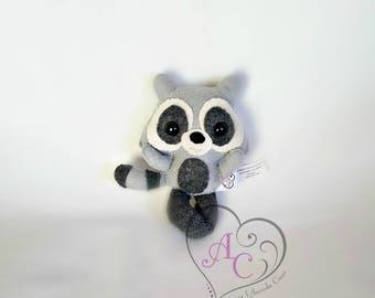 Felt raccoon, forest animal, raccoon toy, collectibel raccoon, raccoon doll, plush raccoon, small raccoon, animal felt, toy felt
