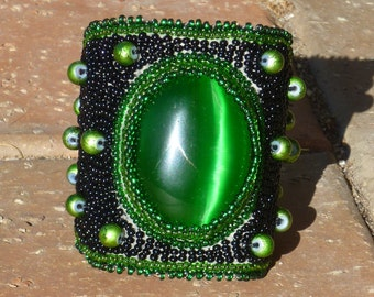 Lime Spider-Elegant Elements Cuff Collection (FREE MATCHING EARRINGS)