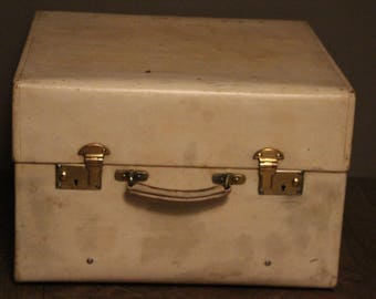 1920's Small Beige Vellum Steamer Trunk
