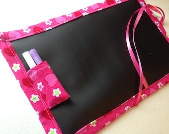 Travel Doodler ChalkMat / Small / Corduroy Pink Hearts