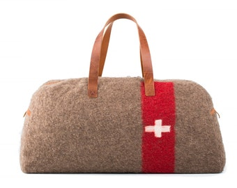 WD32 Swiss Army Recycling Blanket Travel/Weekend Bag by Karlen Swiss