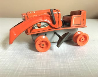 wind up toy tractor